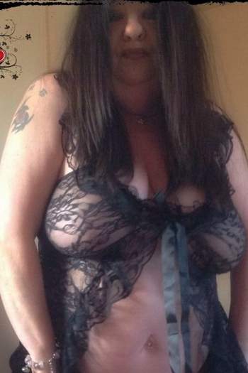 Mature escorts herts Hertfordshire Escorts & Massages - Independent & Agency Escorts - Vivastreet