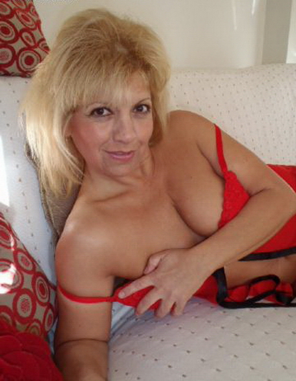 pipe mature escort girl brioude
